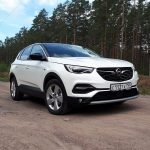 Opel назвал российские цены на кроссовер Grandland X