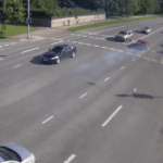 ВИДЕО: «гонки» на улицах Таллинна закончились аварией