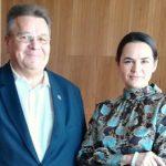 Глава МИД Литвы встретился с Тихановской