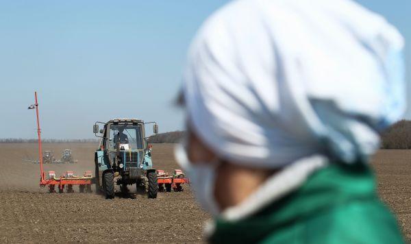 Фермеров ЕС будут поощрять уменьшать загрязнение окружающей среды - еврокомиссар