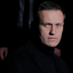 Навальный встал с кровати