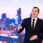 Еврокомиссар В. Синкявичюс, агитирующий на выборах в сейм, получил согласие главы ЕК