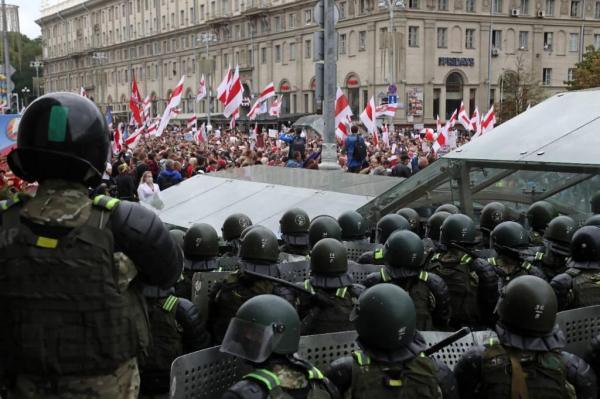 Оппозиция в Белоруссии начала составлять чёрный список чиновников и силовиков