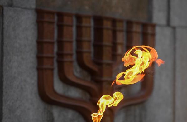 На мемориале в Панеряй почтили память жертв Холокоста