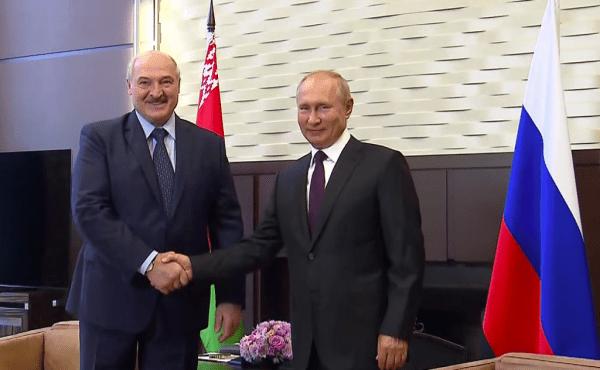 Владимир Путин: Изменение конституции даст Белоруссии импульс к развитию