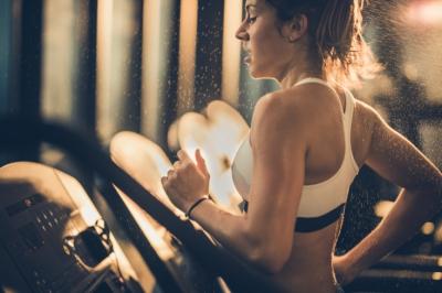 Как снизить потоотделение во время тренировки? Советы дерматолога