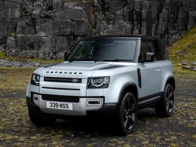 Land Rover упростил новый Defender специально для России
