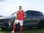 Volkswagen продолжает пересаживать российских футболистов на свои кроссоверы