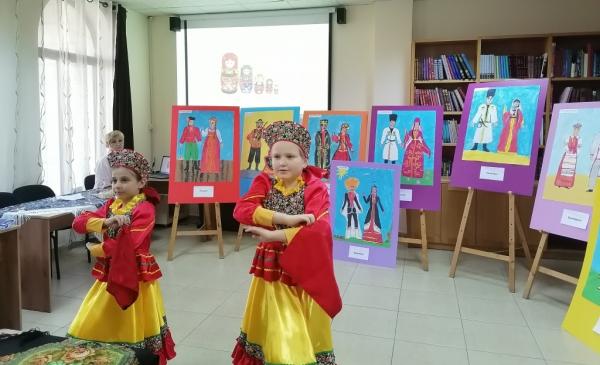 Юных соотечественников в Палестине познакомили с костюмами народов России