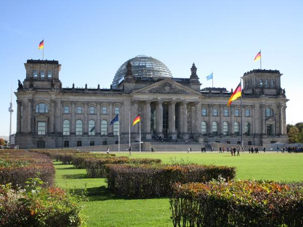 В годовщину объединения ФРГ и ГДР в России и Германии призвали к сближению стран
