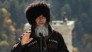 Муфтий Чечни назвал Макрона террористом №1 в мире и врагом ислама