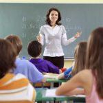 Урезанный день учителя: в Латвии не хватает пять сотен педагогов