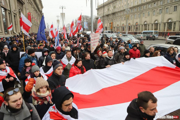 По гуманитарным причинам в Литву разрешено прибыть 377 белорусам, прибыли – 84
