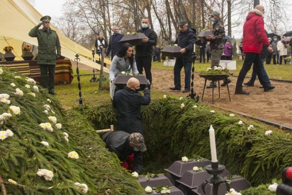В Резекне перезахоронили останки советских военнопленных
