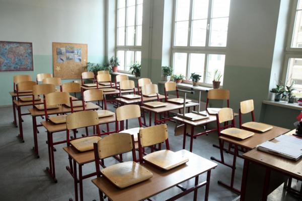 Выживут не все: озвучен алгоритм ликвидации школ в Латвии