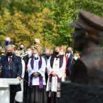В Литве открыт памятник командиру лесных братьев