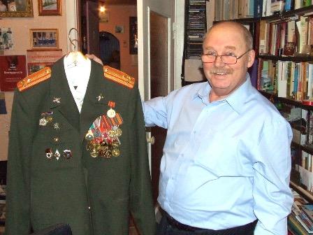 Дипломаты и активисты возмутились высылкой из Латвии российского военного пенсионера