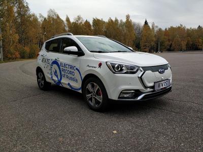 Китайский электромобиль JAC iEV7S установил в России рекорд по дальности хода