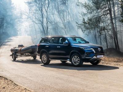 В России стартовали продажи внедорожника Toyota Fortuner с новым дизелем