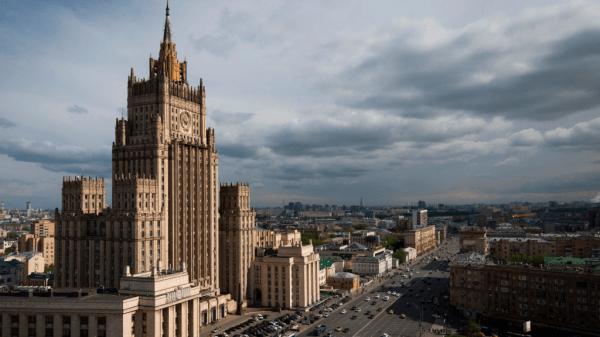 МИД РФ призвал Берлин и Париж содействовать достижению мира в Донбассе