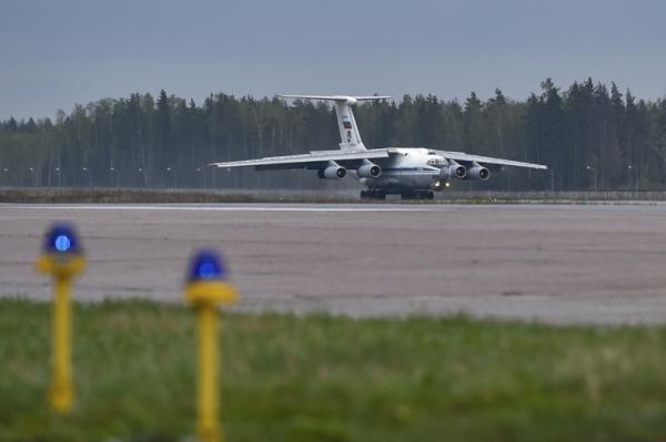 Очередной самолет с российскими детьми прибыл из Сирии