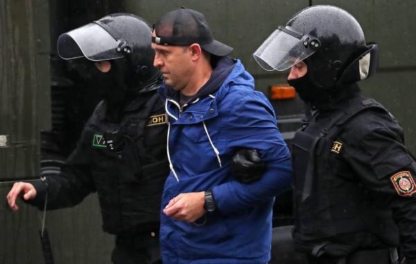 Число задержанных на акциях протеста в Белоруссии превысило 700 человек
