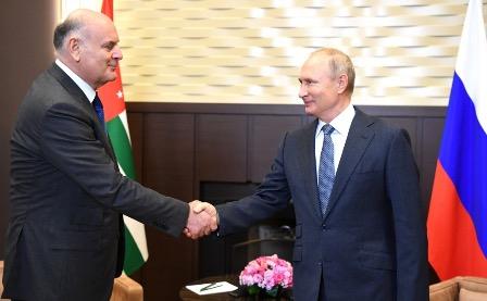В Абхазии выразили благодарность России за помощь в борьбе с COVID-19