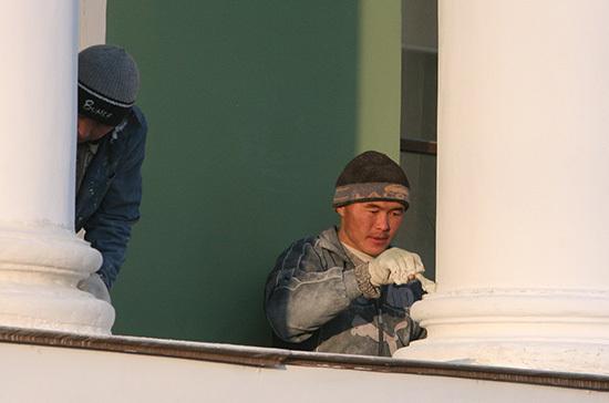 Трудовые мигранты из стран ЕАЭС смогут получать пенсию в России