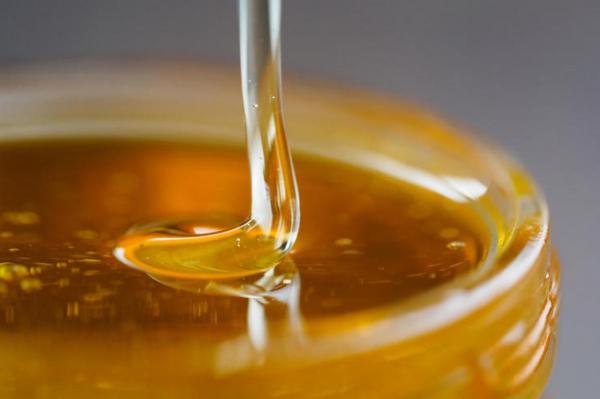 Латвийские первоклассники получат бесплатный мед