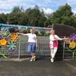 Мастер-класс по изготовлению цветов из автомобильных колпаков провели в Нюрнберге