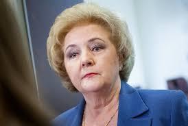 Кабмин Литвы назначил ренту вдовы сигнатария К. Бразаускене