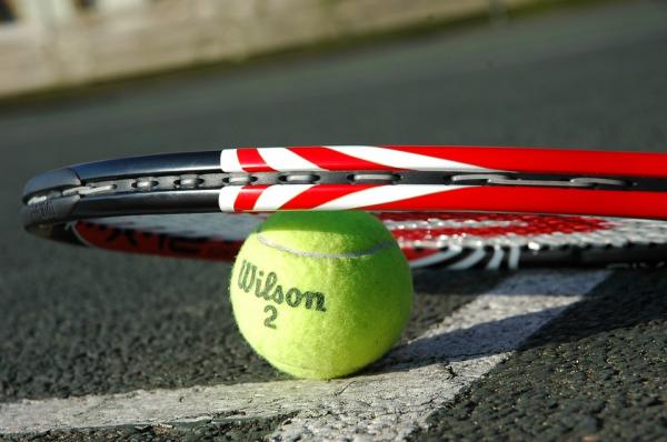Российский теннисист Даниил Медведев выиграл турнир в Париже