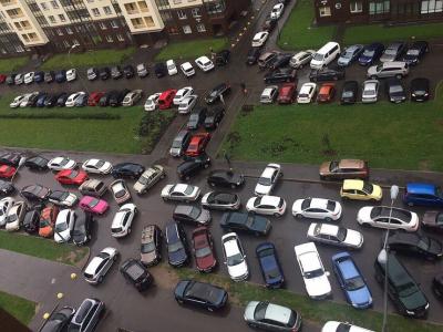 Эвакуаторы идут в московские дворы
