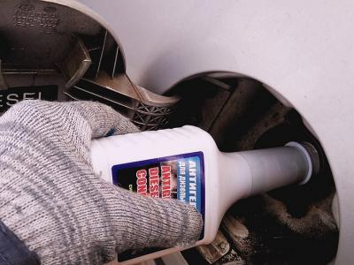 Какой антигель лучше защищает дизтопливо в машине от мороза