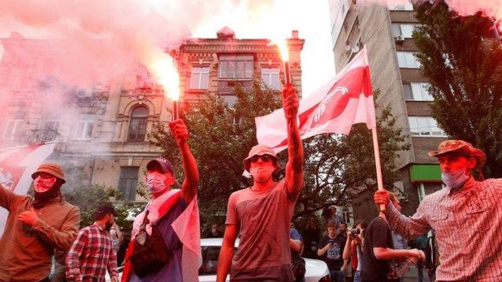 МИД Литвы предлагает выдавать бесплатно визы белорусам, преследуемым режимом