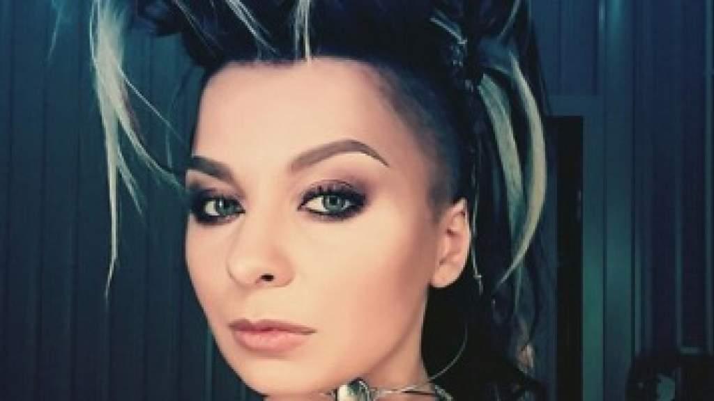 Певица из Украины выступила за права русскоязычного общества