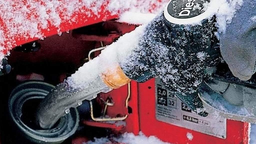 Почему невозможно полностью удалить воду из солярки в топливном баке