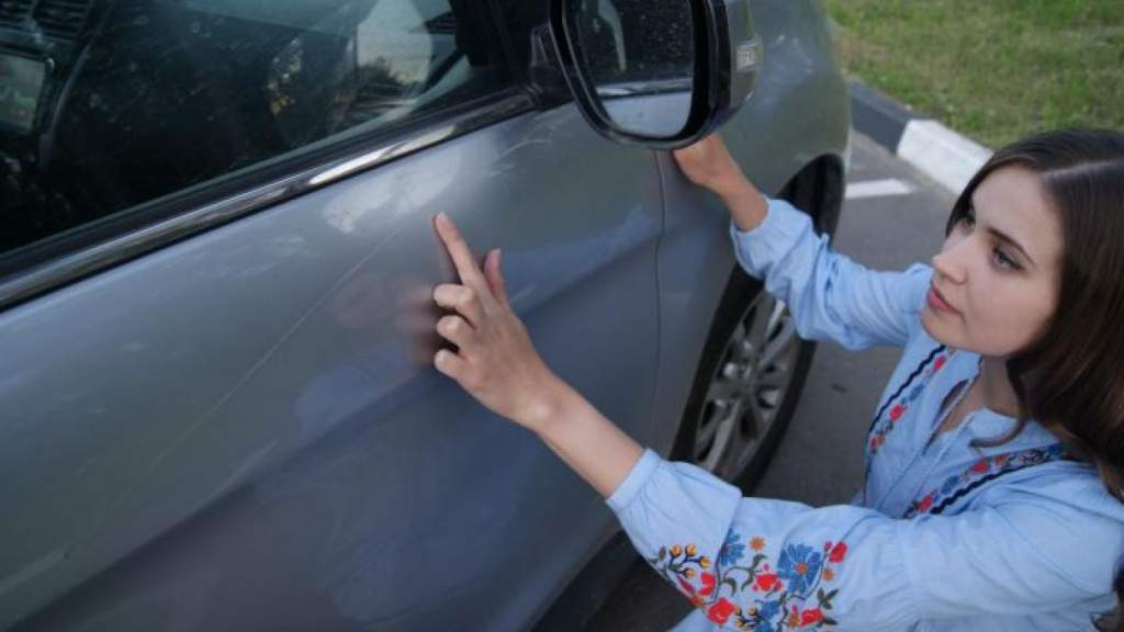 Ребенок поцарапал автомобиль: кто заплатит за поврежденную машину?