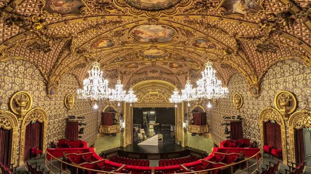 Театрам в Эстонии придется менять даты на проданных билетах