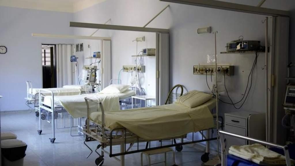 В больницах – до 400 мест для тяжелобольных ковид-пациентов