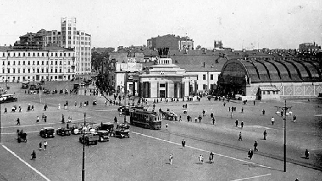 Почему московский трамвай назвали Аннушкой