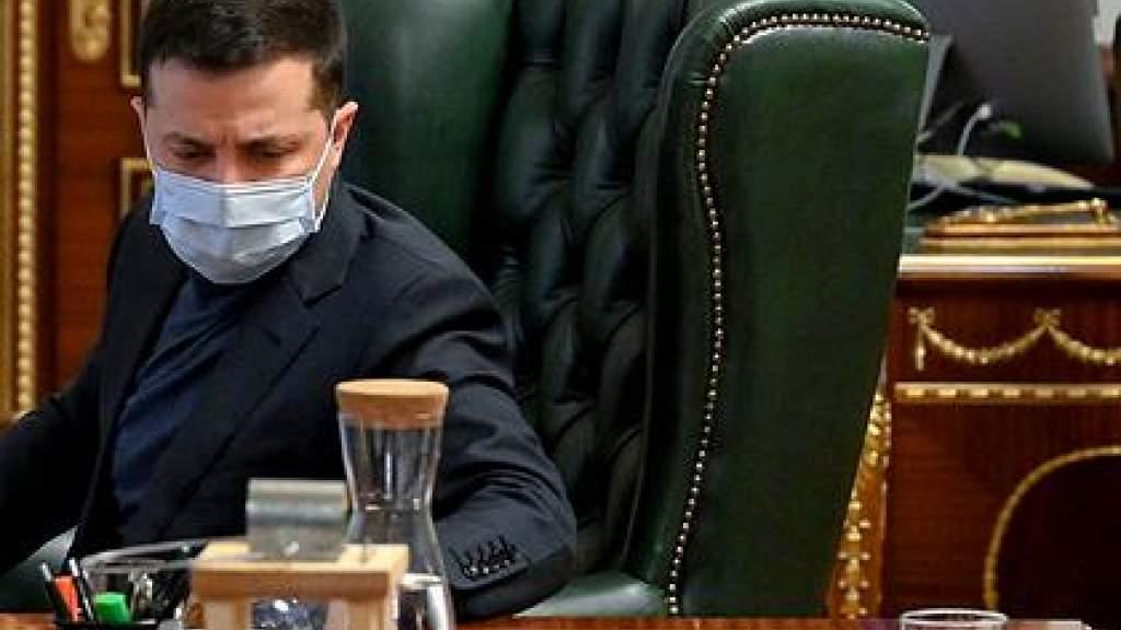 Почти треть украинцев назвали Зеленского неудачником года
