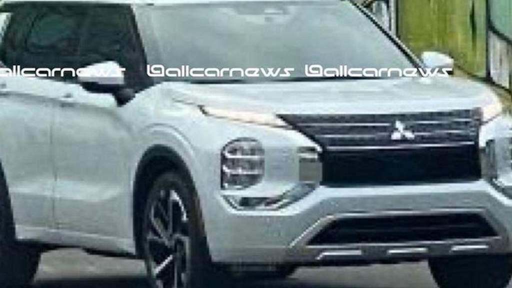 Шпионы подловили новый Mitsubishi Outlander без камуфляжа