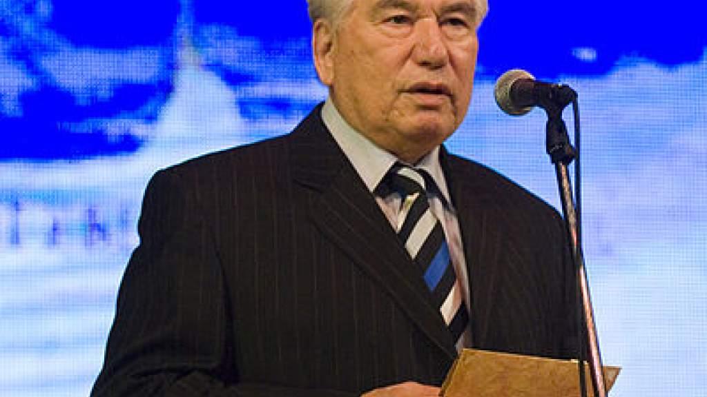 Собрание сочинений Чингиза Айтматова записали на киргизском языке