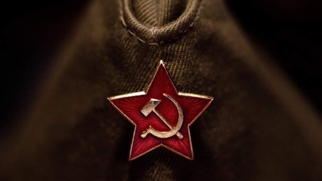 Украинца могут посадить на пять лет за шапку с серпом и молотом