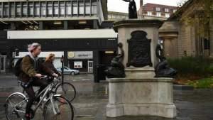 В Британии на месте памятника работорговцу установили статую Дарта Вейдера
