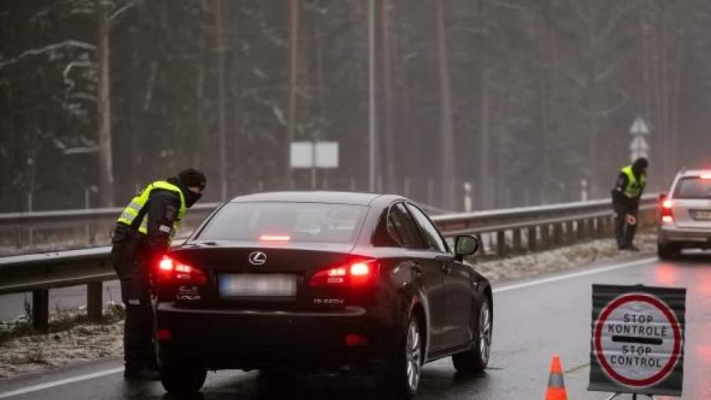 Возвращающиеся из-за границы литовцы не смогут передвигаться между городами – МВД Литвы