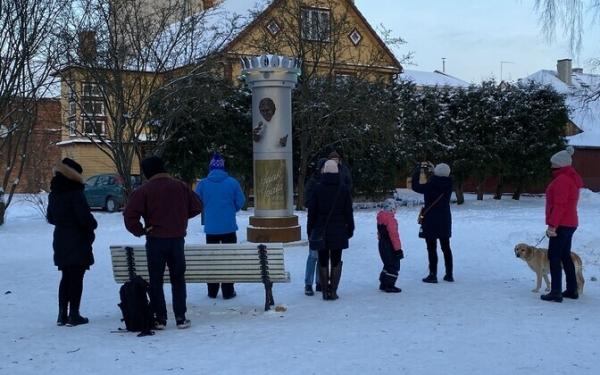 Памятник Яаку Йоале простоит в Вильянди еще неделю