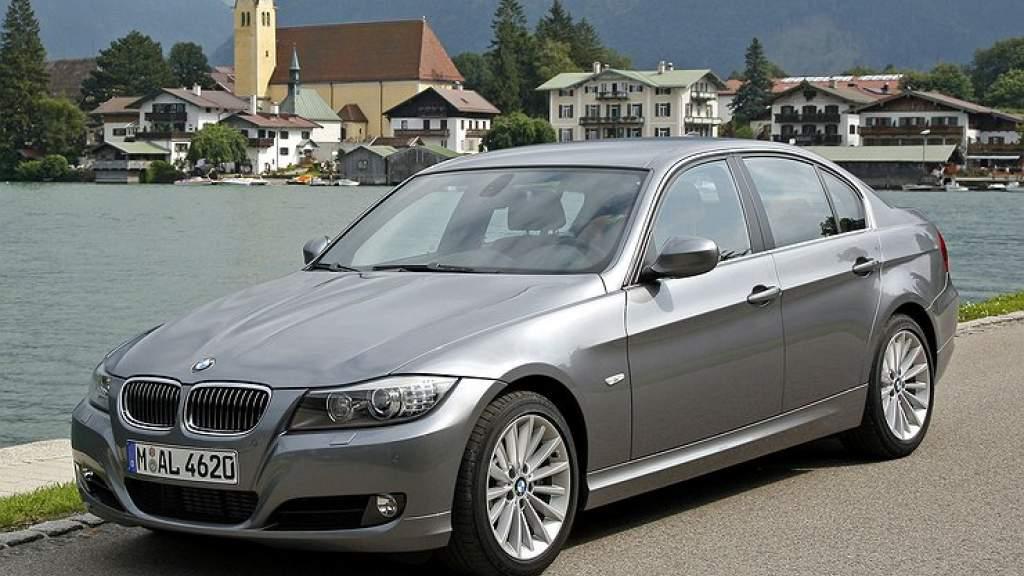 BMW бесплатно отремонтирует старенькие «трешки»
