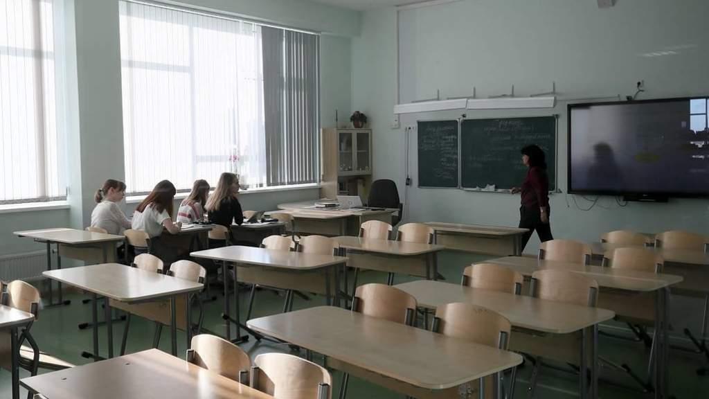 На этой неделе начато тестирование педагогов экспресс- и ПЦР-тестами - Минздрав Литвы
